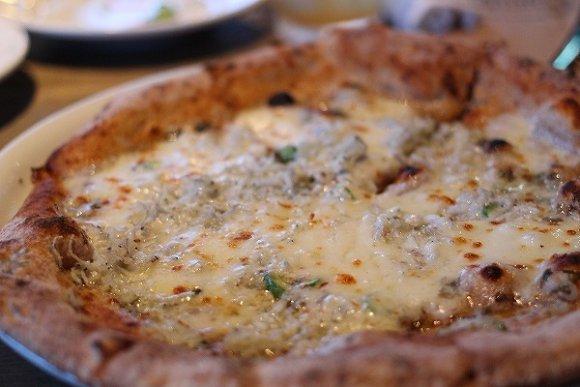 生ハムにシャンパン、ピザも!雰囲気抜群でリーズナブルな原宿イタリアン