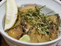驚きのアワビ丼は美味すぎ!地元産がウリの定食屋で新鮮魚介を