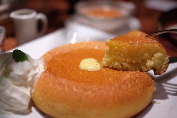 石釜焼きホットケーキは極上の美味しさ!神保町の行列ができる人気カフェ