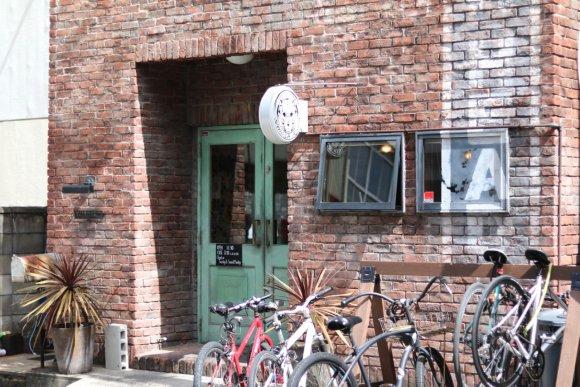 肉感満点の限定バーガーも!大須観音近くのグルメハンバーガーショップ