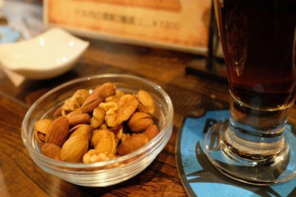 自家醸造の燻製ビールとメチャ美味の燻製メニューが味わえるおススメ店