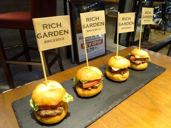 可愛くて食べやすいミニバーガー!大阪で美味いスライダーが味わえる5店