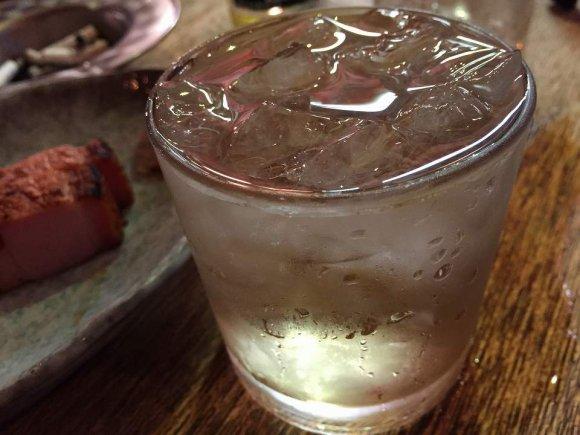 厚切りベーコンは必食!大阪・中津の屋台居酒屋で夏を満喫!