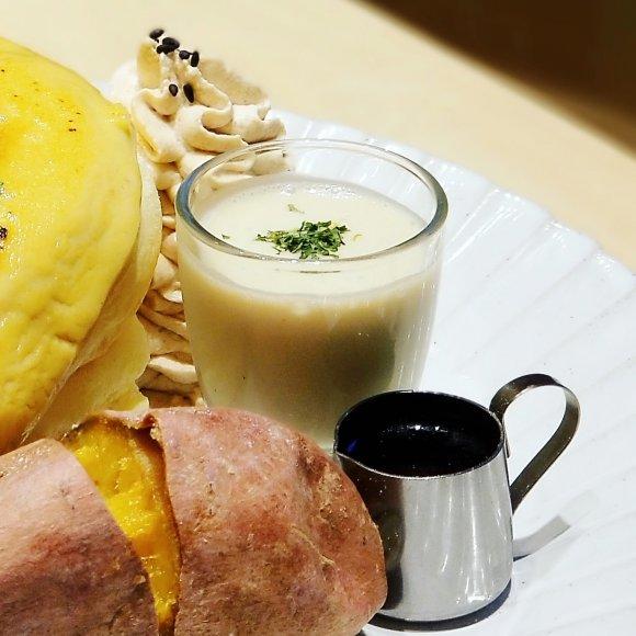 糖度抜群!原宿の人気店で味わえる種子島産安納芋の「焼き芋パンケーキ」
