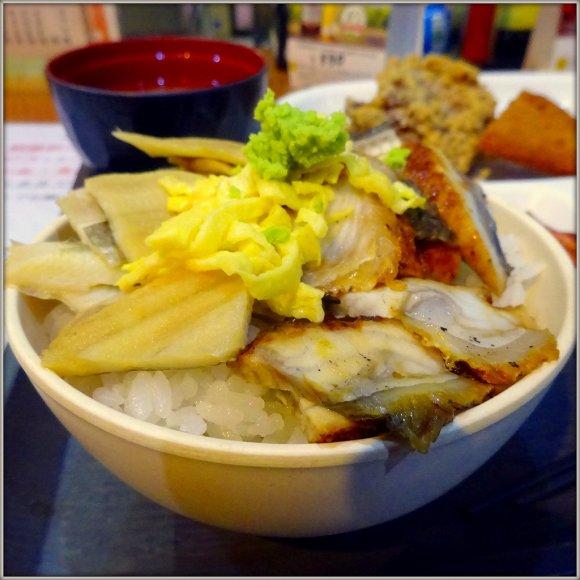 『魚のあんよ』は海鮮天国!札幌で880円海鮮丼バイキングランチがお得