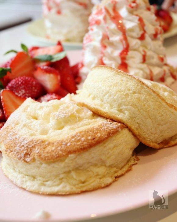 ふわふわのリコッタパンケーキの人気店が移転リニューアルオープン!