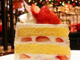クリスマス気分を盛り上げる!一流ホテルのクラシックなショートケーキ