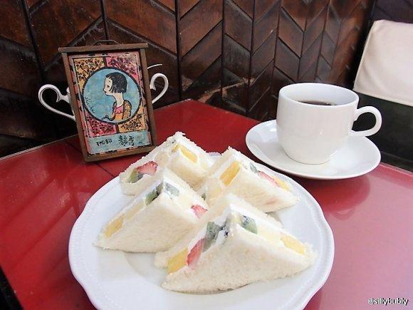 ふわふわのフルーツサンドに悶絶!モダンに生まれ変わった京都の老舗喫茶
