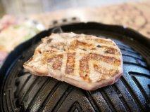 ラムの塊肉を豪快に!「羊肉×デニム」がコンセプトのジンギスカン専門店