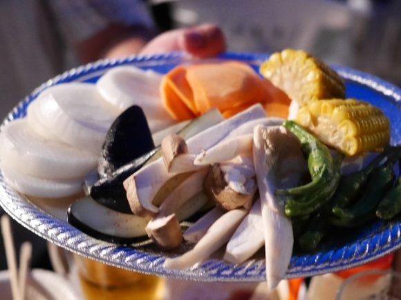 品川駅チカ!3990円でBBQが食べ放題のビアガーデン