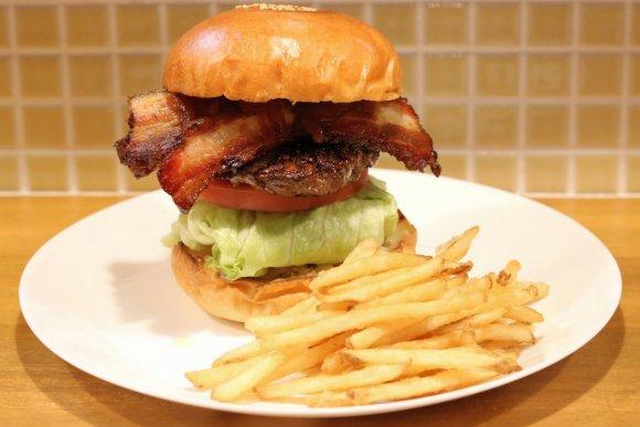 名店で修業を重ねたオーナーによるハンバーガー専門店が京都にオープン!