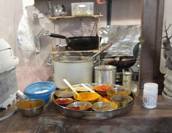 野菜とスパイスのハーモニーに酔いしれる!天神橋の美味カレー