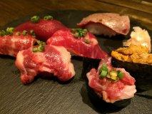 魅惑の馬すし食べ比べ!お手頃に日本酒と馬肉を楽しめる専門店