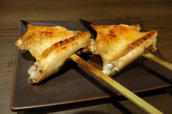 【神田かしわき】8時間煮込んだ水炊きが絶品!鶏料理と人気地酒が旨い店