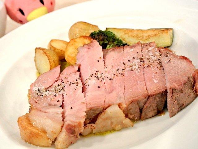 有機野菜と肉々しいまでの肉!西麻布の人気ビストロランチ