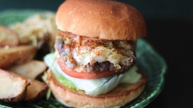 野菜の美味しさを堪能!ジャンクフードのイメージを覆す人気ハンバーガー