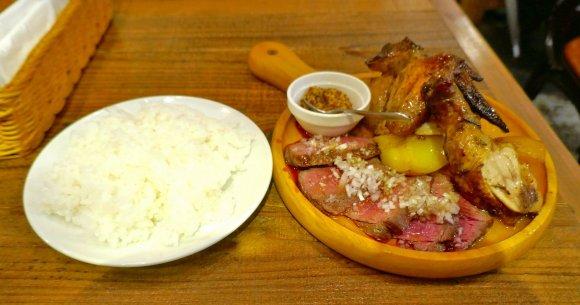 ハズレのないうまさに感動!秋葉原で肉まみれになれる肉盛りランチ