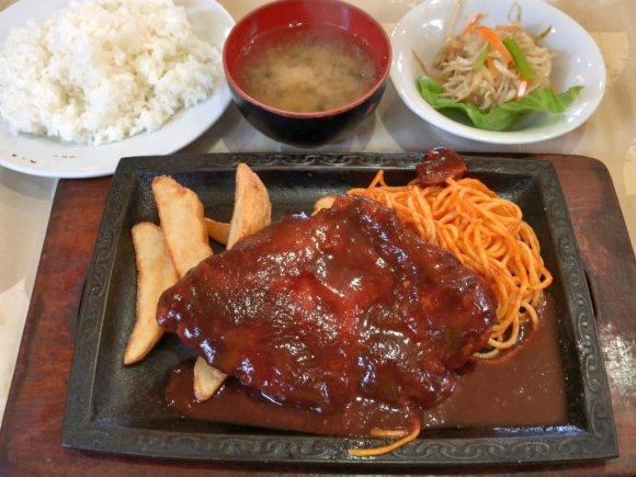 店名は『香港』でも中華料理店じゃない!昭和の香り漂う安くて旨い洋食屋