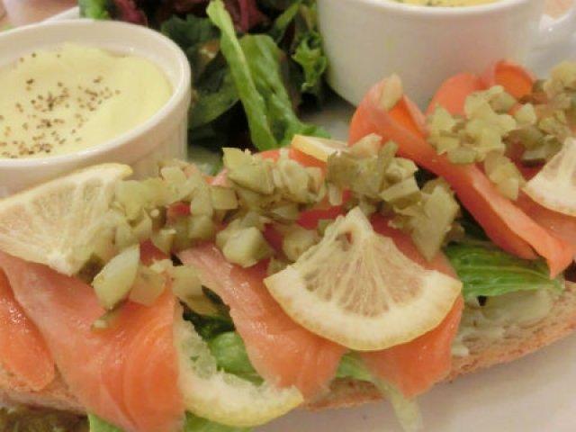 日本初上陸!パリの有名パン職人監修タルティーヌが味わえる渋谷のカフェ