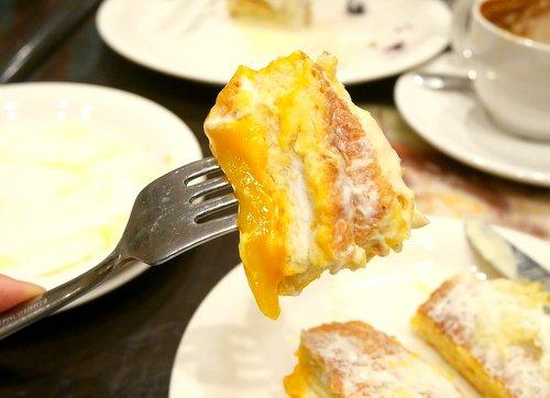 極厚ふわっふわのボリューム満点!夏限定のマンゴーパンケーキ