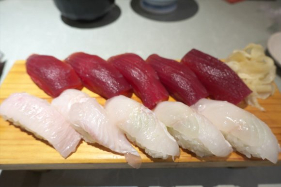『まぐろ屋』の中落ち丼がごはん泥棒すぎる!マグロ以外の海鮮も旨い店