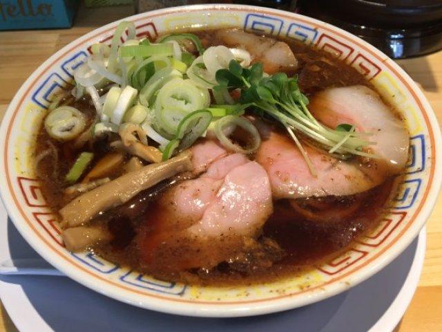 サバ醤油そばに老舗の和風ラーメン!大阪で堪能できる美味しいラーメン
