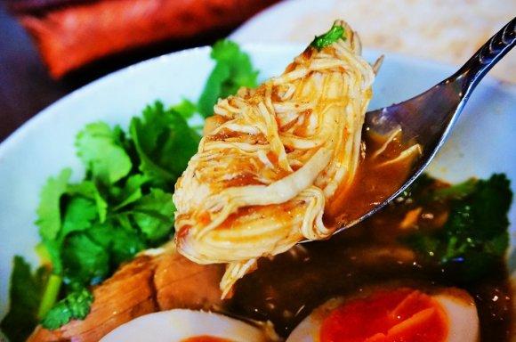 キラリと光る個性派!牡蠣とクレソンの超贅沢カレーを恵比寿で