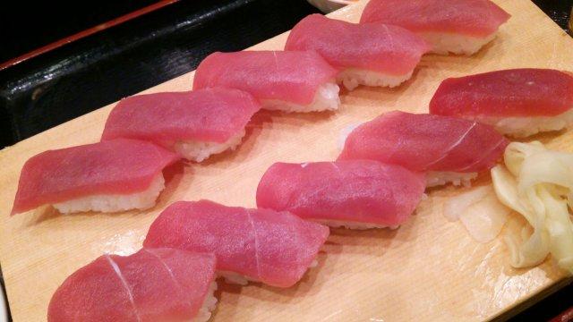 寿司も丼も1100円食べ放題!!三崎市場直送まぐろで満腹に