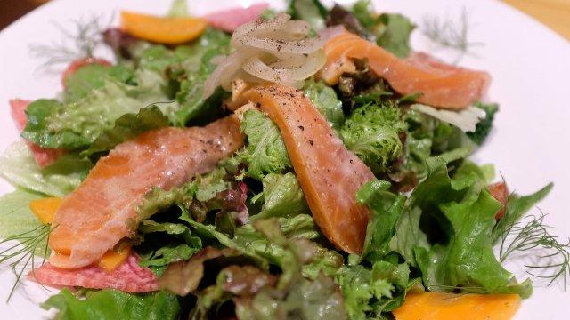 濃厚な甘みが最高なヴァイツェンと山梨産食材を使った料理が味わえるお店