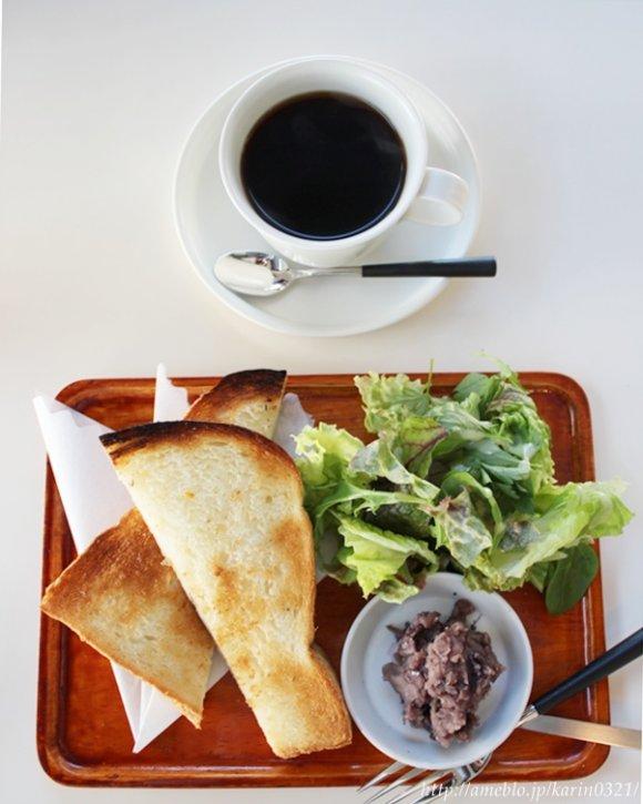 レトロ喫茶好きにはたまらない♪朝からパフェが食べられる新店