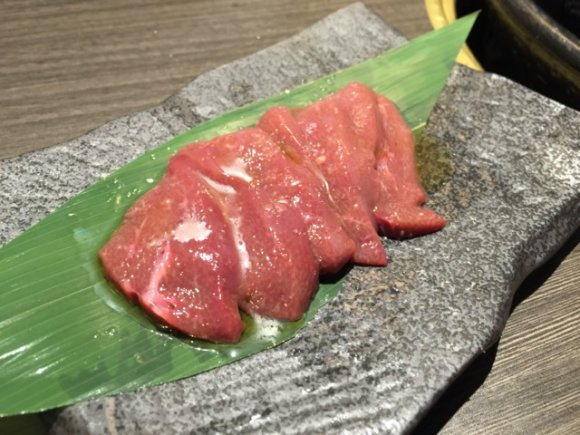 ウマい馬肉に舌鼓!東京で予約困難といわれる馬肉専門店が大阪に初上陸!