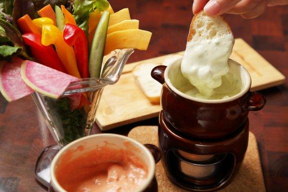 チーズ好きの天国!とろ~りチーズフォンデュが980円で食べ放題のお店