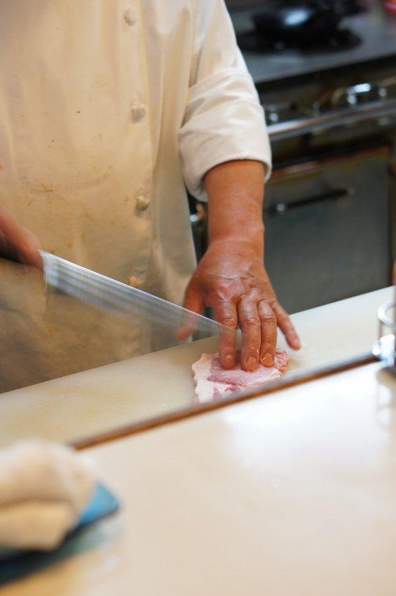 熟練の技を堪能!ポークソテーが逸品な老舗洋食屋@北九州