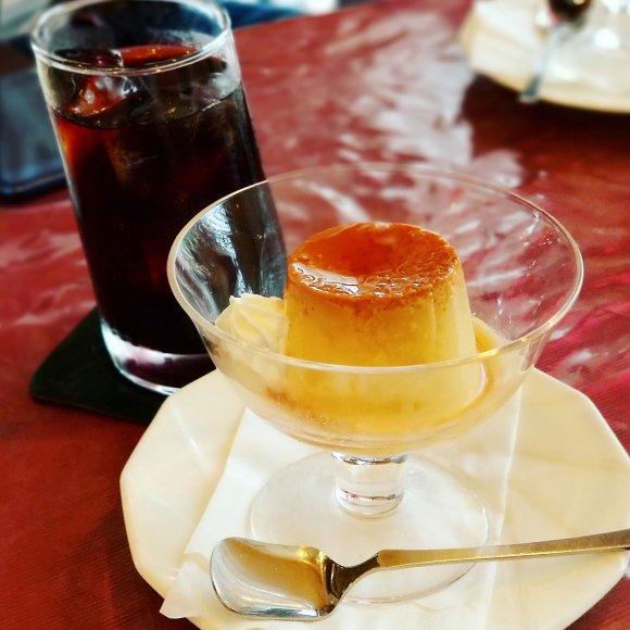 昭和な喫茶店から人気カフェまで!「固めのプリン」が美味しいお店5軒