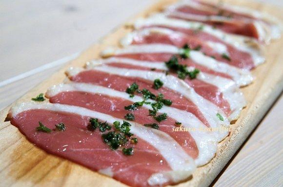 新橋にオープン!ヘルシーな鴨肉とオーガニックワインが楽しめる肉バル
