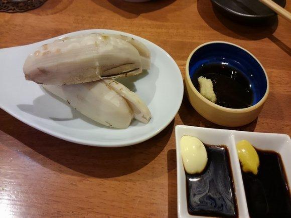 予約満席の日も!串焼きと沖縄料理と泡盛がウマい地元の人気店
