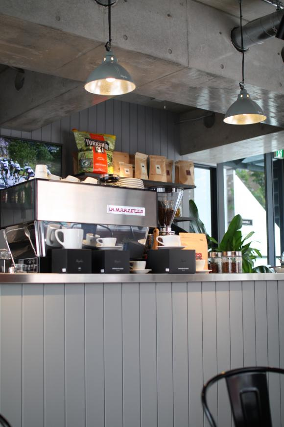 自転車好き必見!ラファ サイクルクラブ東京のカフェでランチ