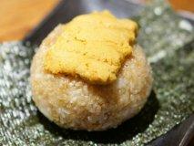 濃厚なウニのせ焼きおにぎりは必食!新鮮な魚介が美味い居酒屋