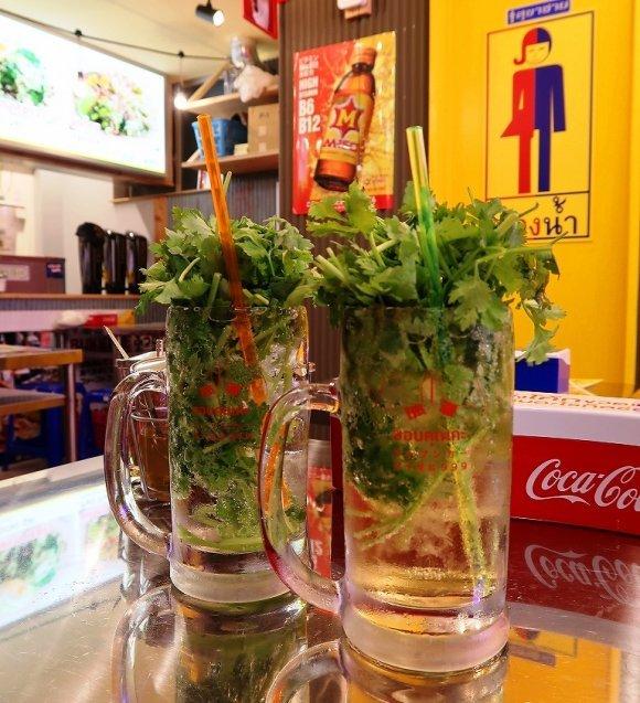 パクチーサワーに日本酒も!都内の美味いツマミが揃う昼飲みが楽しめる店