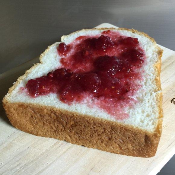 一度は食べてほしい!進化を続ける大阪のふわふわしっとり高級食パン5選