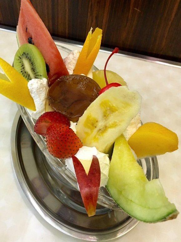 スイーツ専門店にランチデザートの本格パフェ!大阪でパフェが美味しい店