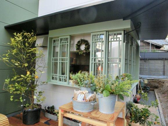 【表参道】都会の庭園!乙女心をくすぐる絶品サンドイッチ店