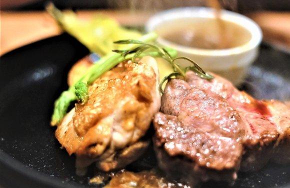 メインは豚と鶏の相盛り!肉押しイタリアンで2900円鉄板焼きコース