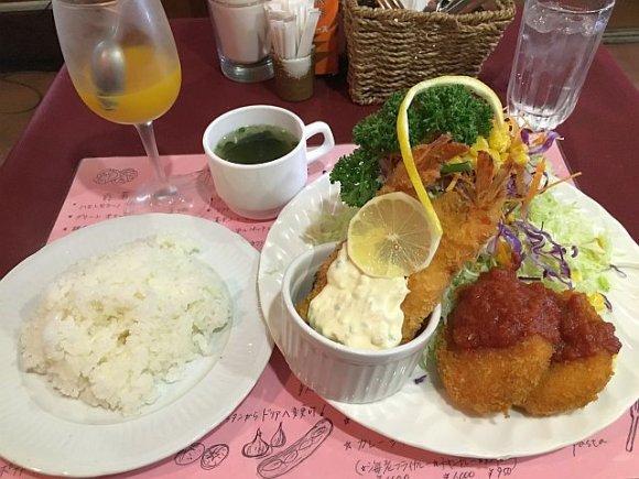 GAPに驚愕!新宿の隠れ家ランチは主菜もサラダもテンコ盛り