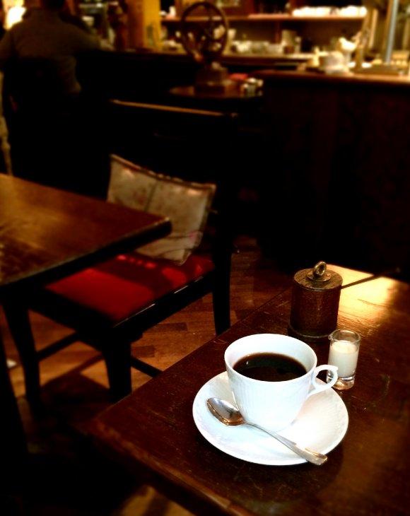 創業1981年の老舗カフェで頂く「パンプキンプディング」
