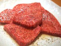 【焼肉 山水】衝撃の食感!こだわりの「生焼肉」が楽しめる焼肉屋さん