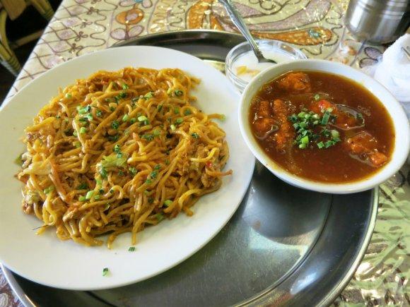 インド料理と中華が融合!?日本では激レアな「インド中華」焼きそば5選