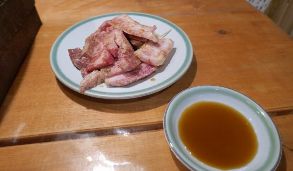 サシたっぷりの神戸牛がメチャ旨!ランチはライス食べ放題の神田の焼肉店