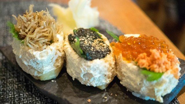 つまめる稲荷寿司と新鮮刺身が2大名物!地域密着カジュアル寿司居酒屋