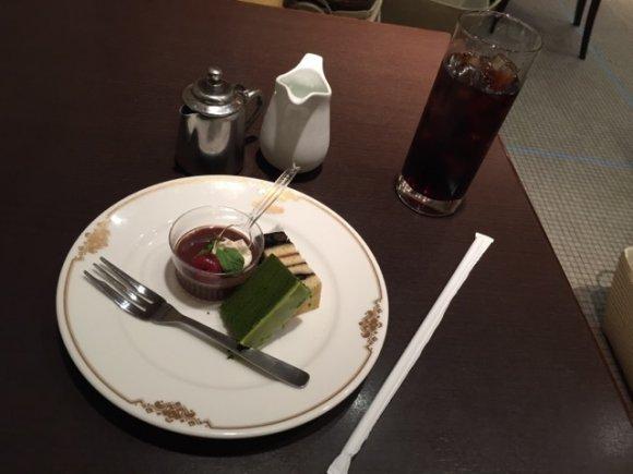 あの老舗洋菓子店は洋食もおいしかった!神戸牛の旨みたっぷりハンバーグ